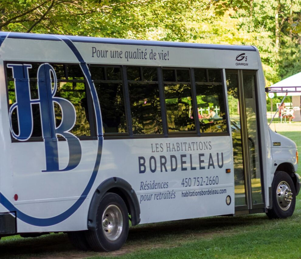 autobus scaled e1602602540179